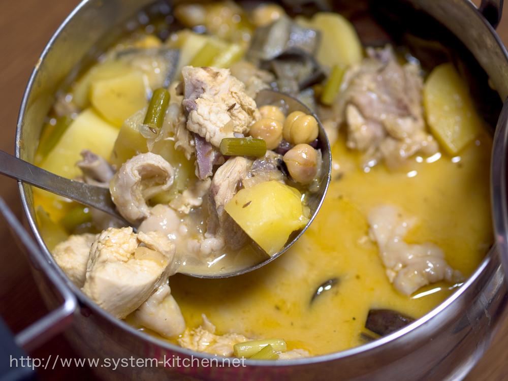 チキンと豆とジャガイモのカレー