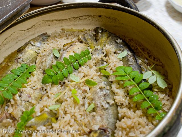 鮎メシ(鮎の炊込みご飯)