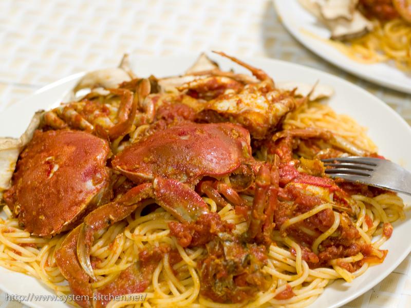 丸蟹のトマトソースパスタ