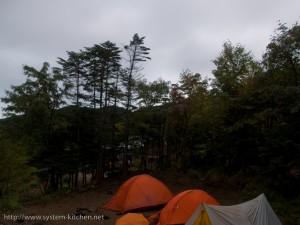 朝から雨のテントサイト