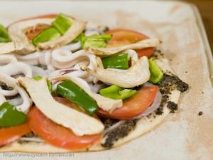 タプナードソースのピザ